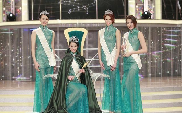 色妹播播草裙礹c._22岁纽约学生妹获得2018国际中华小姐冠军,曾夺美国华