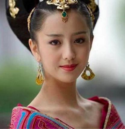 有关赵飞燕的电视剧_佟丽娅饰演的赵飞燕倾国倾城,电视剧中演过皇后的还是