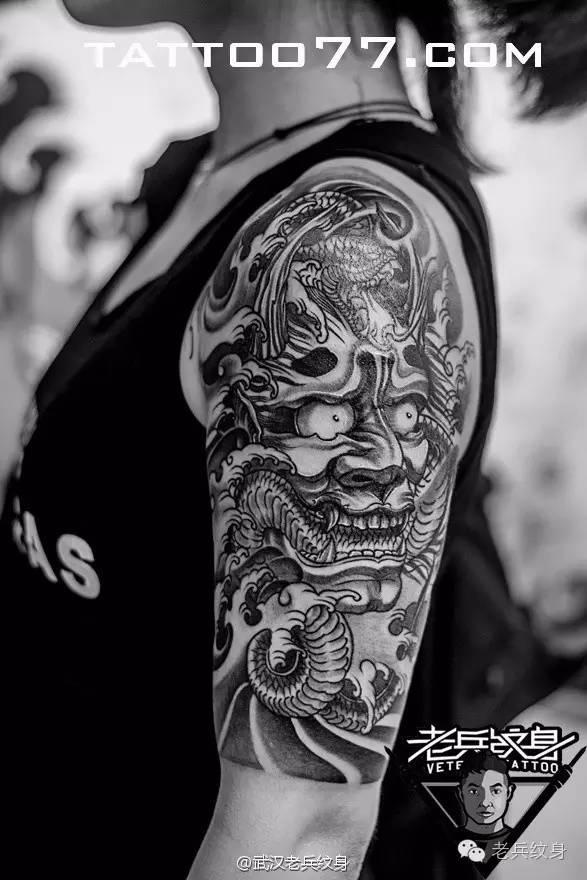 花臂这种纹身界的潮流标杆,不管是哪种风格都好好看哦