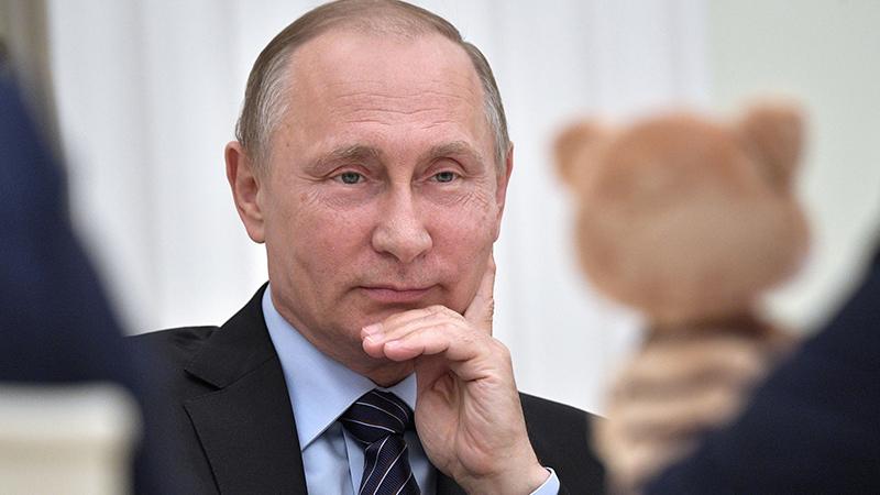 普京的脸怎么了?66岁嫩过他20岁,比世界杯上的俄罗斯队还开挂