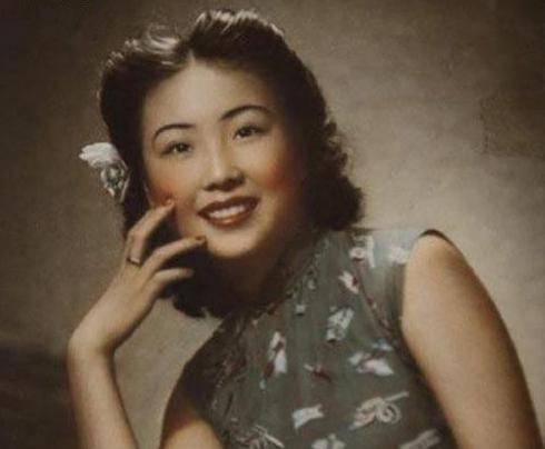 她曾是军统女特务,留在大陆嫁给农民连生8娃,到死家人才知其身份