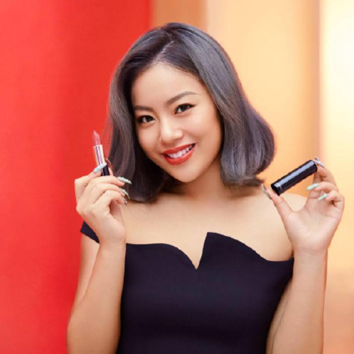 曝《101》未成团的王菊签约国际品牌进军时尚圈