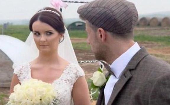 英国新郎请了50只猪来见证爱情,结果把新娘和伴娘都气晕了