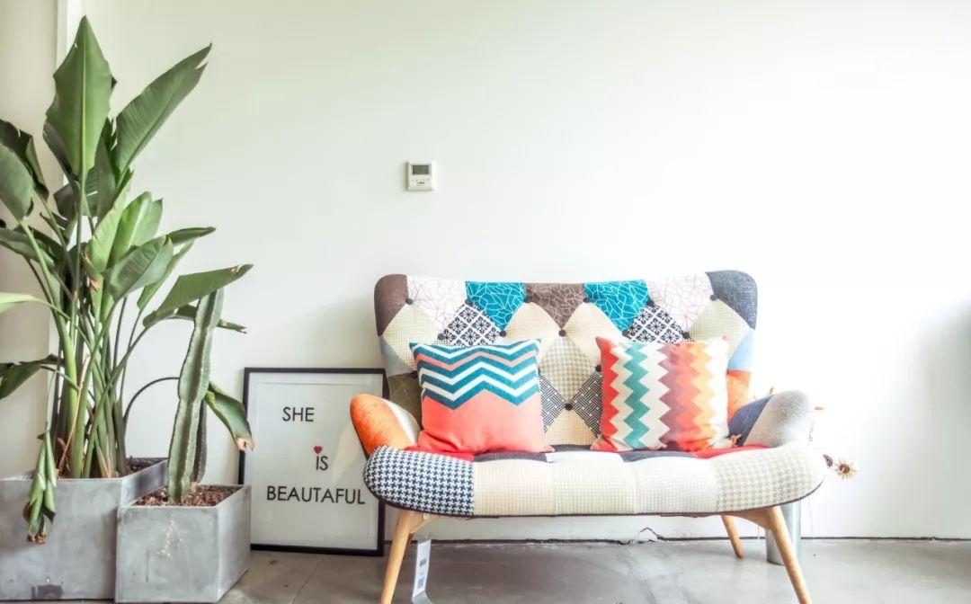 不爱跟人同坐?小沙发打造的温馨天地,是一个孤独患者的自我修行