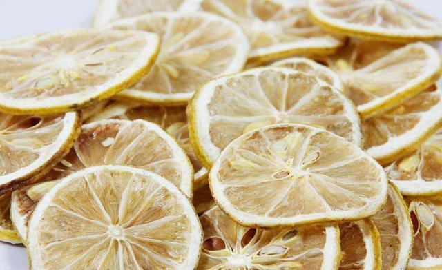 这才是柠檬水的健康泡法,泡错了喝再多也浪费营养