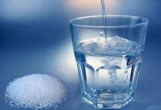 每天早上都喝淡盐水,身体变好还是变坏?