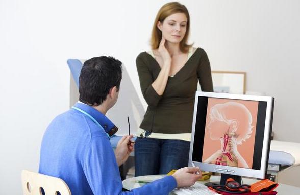 心血管专家:颈动脉斑块很常见,但也要注意好这2个方面